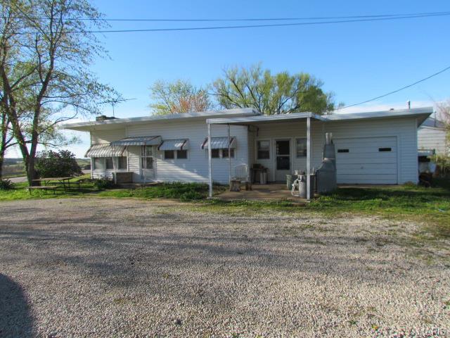 739 East Pne, Bourbon MO 65441