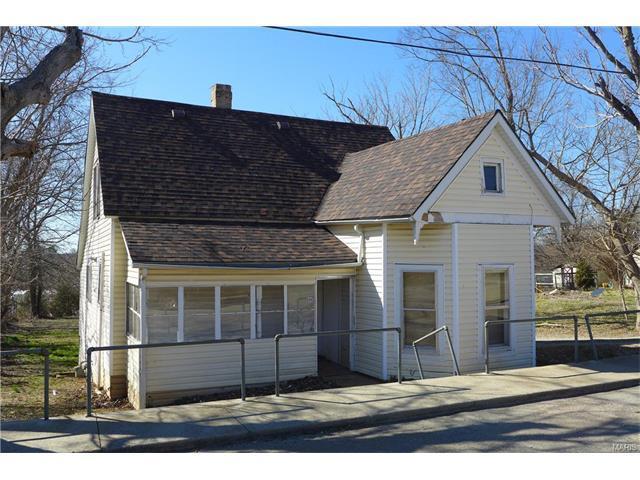 606 Villar Fredericktown, MO 63645