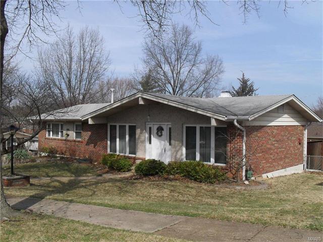 10933 Edgemoor Ter, Saint Louis, MO