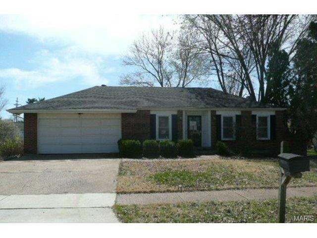 12722 Parkway Estates Dr, Saint Louis, MO
