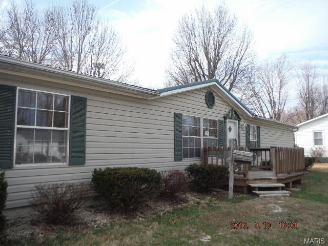 318 S 14th St, Bowling Green MO 63334