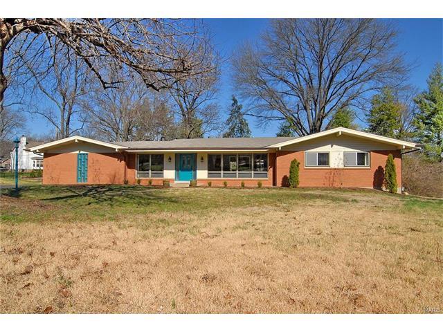 575 Bonhomme Woods Dr, Saint Louis, MO