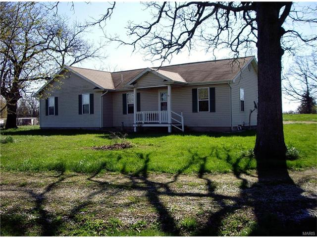 22 Forest Hill Rd, Leasburg, MO