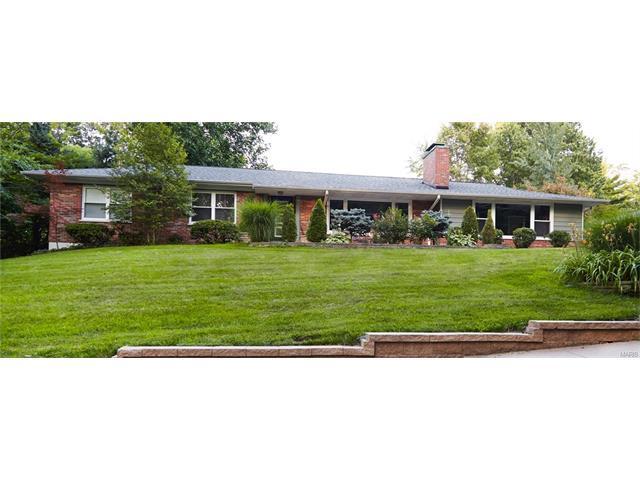 586 Dielman Rd, Saint Louis, MO