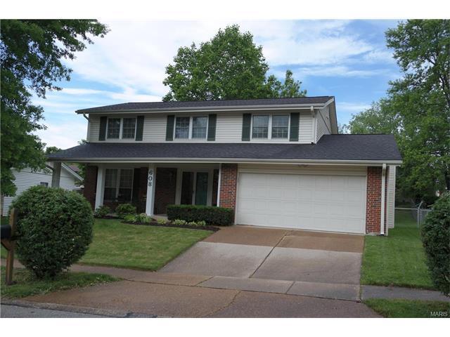 608 Hickory Knl, Ballwin, MO