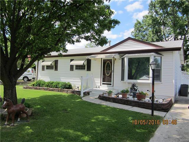 811 Teson Rd, Hazelwood, MO