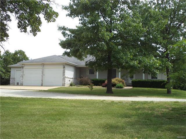 1336 W Springfield Rd, Saint Clair, MO