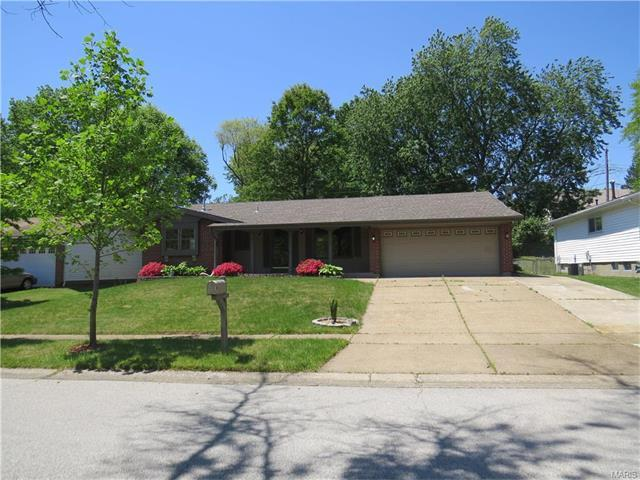 11843 Barden Tower Rd, Florissant, MO