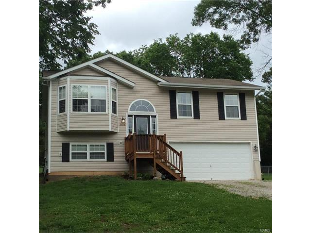3706 Woods Rd, House Springs, MO