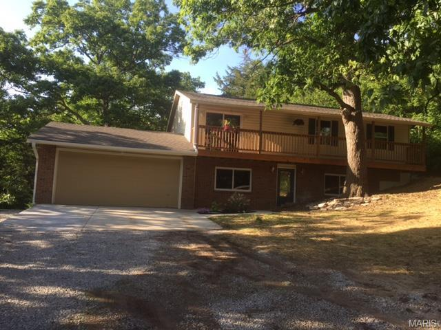 5885 Woodland Dr, House Springs, MO