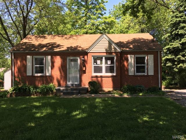 5 Saint Michael Ct, Florissant, MO
