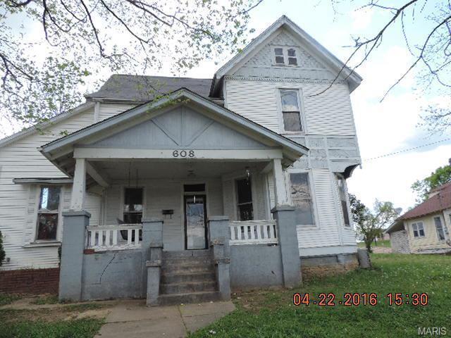608 S Main St Fredericktown, MO 63645