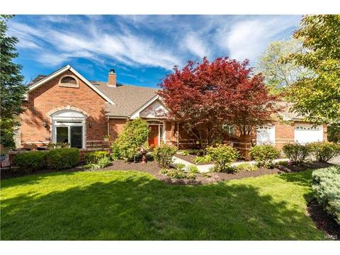 277 Larimore Valley Dr, Chesterfield, MO 63005