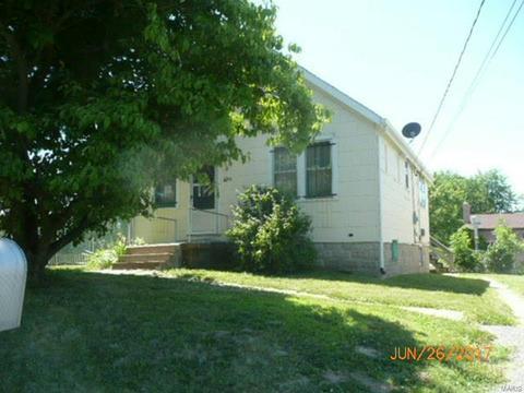 2064 Chambers Rd, Saint Louis, MO 63136