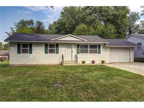 221 Cottage Hill DrO Fallon, IL 62269