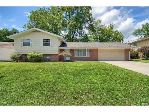 212 Merriweather LnFairview Heights, IL 62208
