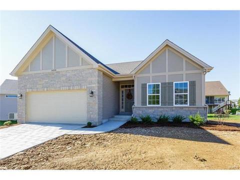 1628 Prospect Village DrLake Saint Louis, MO 63367