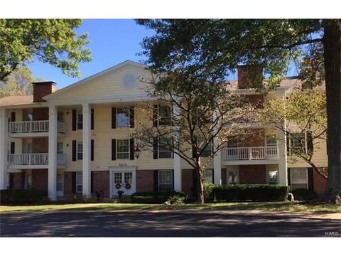 1511 Hampton Hall Dr #15Chesterfield, MO 63017
