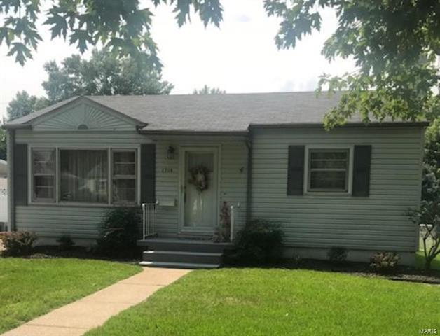 1716 Spring Ave Granite City Il 62040 Mls 18032331 Movoto Com