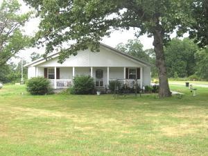 1315 Country Trails Rd, Conway MO 65632