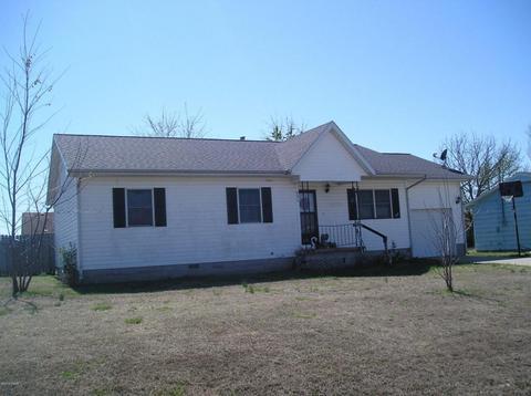 637 W 30th Pl, Baxter Springs, KS 66713
