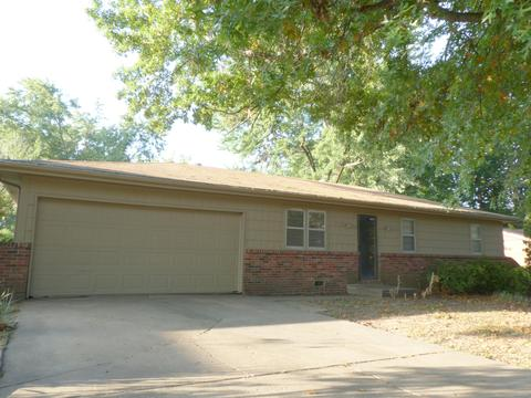 2322 E Swallow St, Springfield, MO (44 Photos) MLS# 60120522 - Movoto