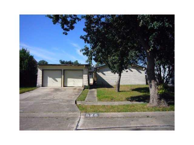 826 Lawrence Dr, Gretna LA 70056