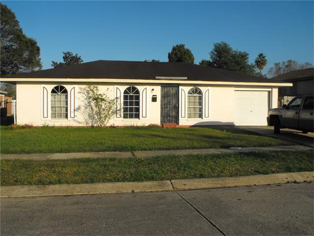 665 Grovewood Dr, Gretna LA 70056