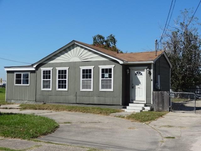 4 Old Hickory St, Chalmette LA 70043