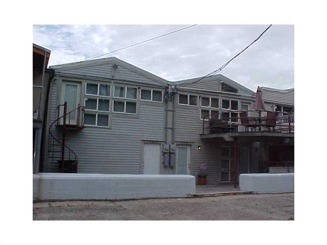 131-133 N Roadway Dr, New Orleans LA 70124