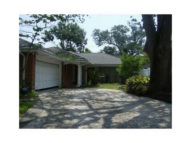 203 E Livingston Pl, Metairie LA 70005