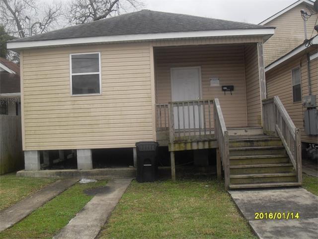 2634 Acacia St, New Orleans LA 70122