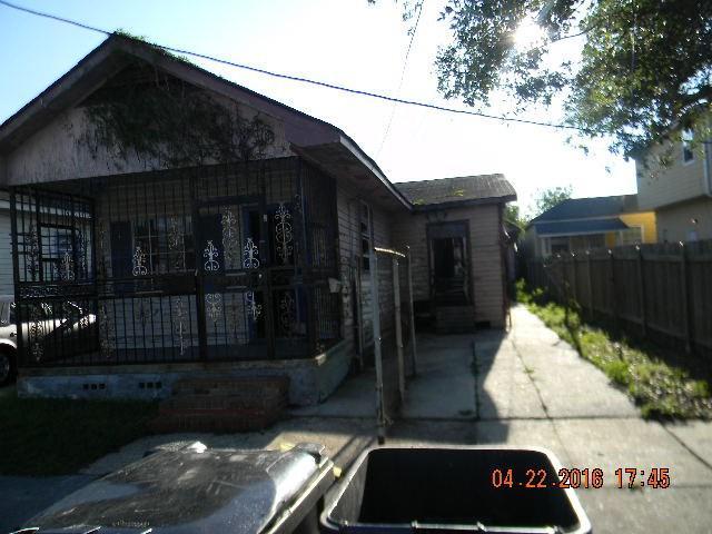 3320 Pauger St, New Orleans LA 70122