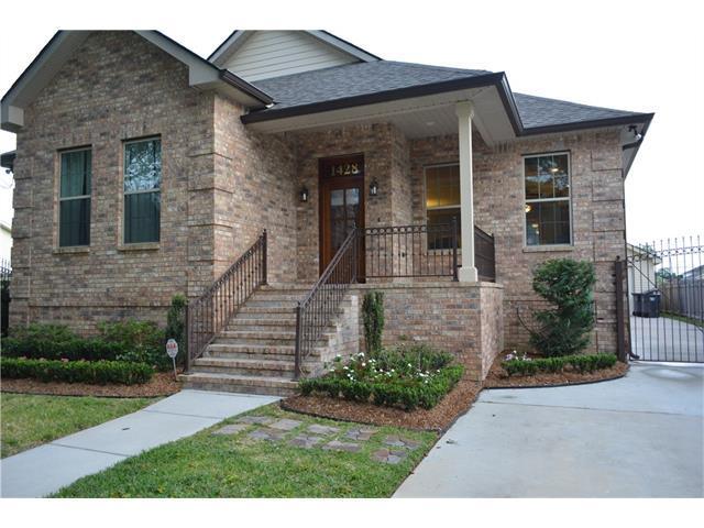 1428 Burbank Dr, New Orleans LA 70122