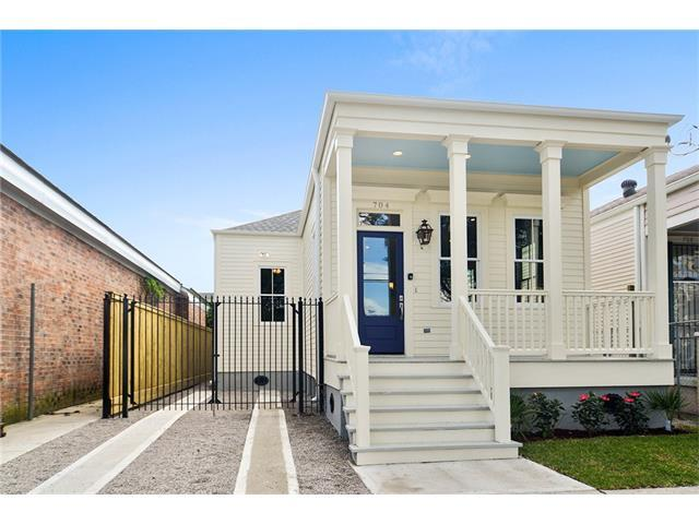 704 Josephine St, New Orleans LA 70115