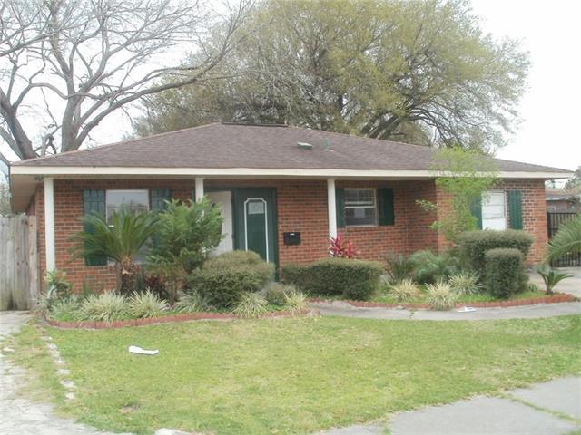549 E Forest Lawn Dr, Gretna LA 70056