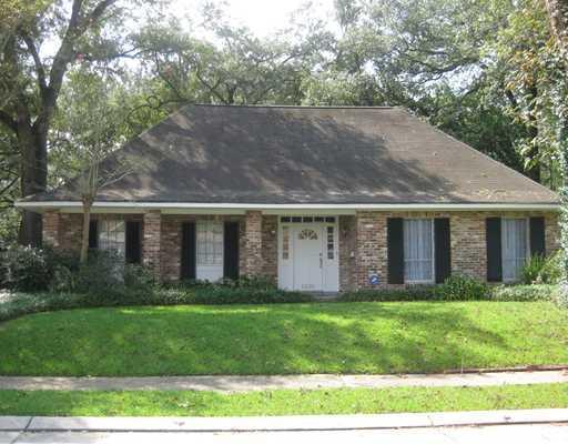5635 Sutton Pl, New Orleans, LA
