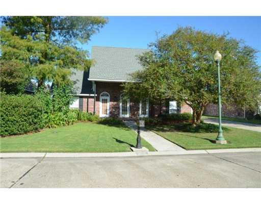 265 Saxony Ct, Saint Rose, LA 70087