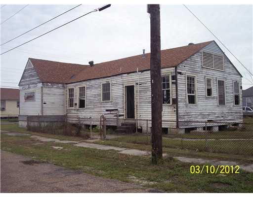 1938 Pauline St, New Orleans LA 70117