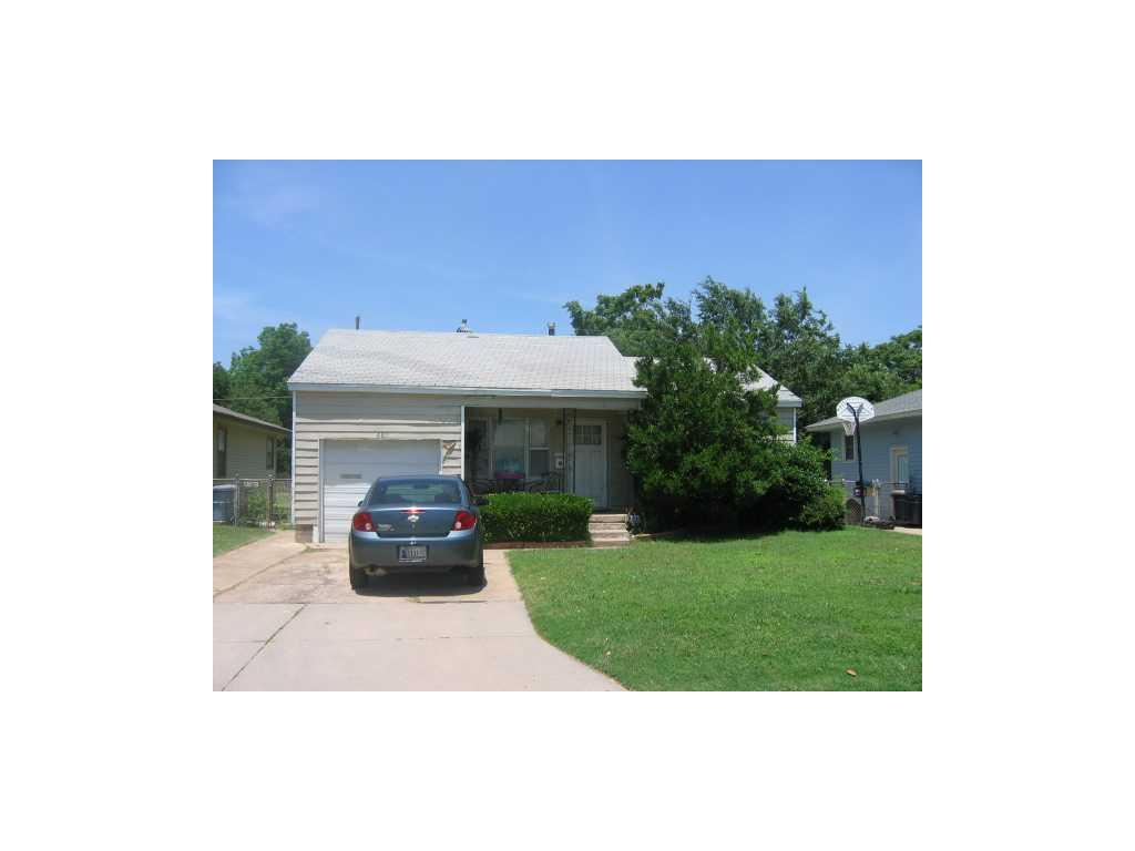 6811 NW 53rd St, Bethany, OK