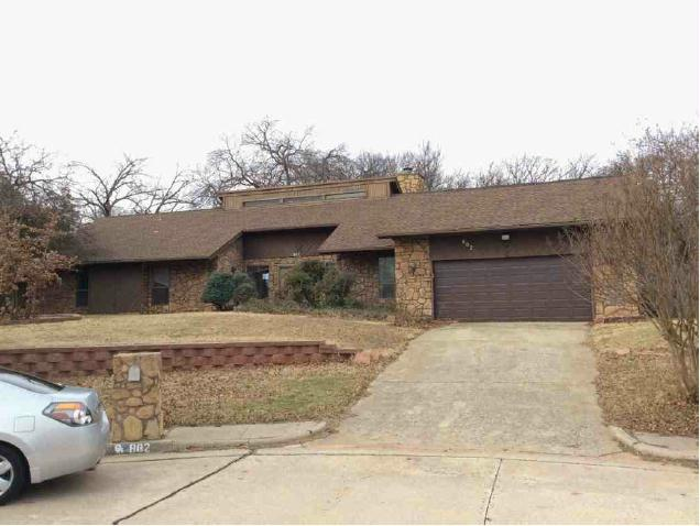 802 Sunny Brook Ct, Edmond, OK