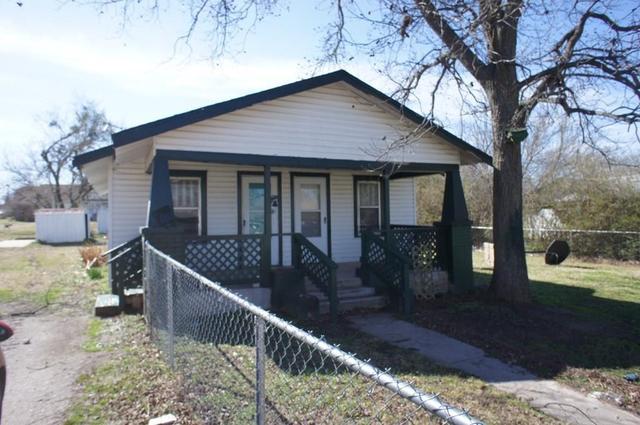 910 W Park St, Tecumseh, OK