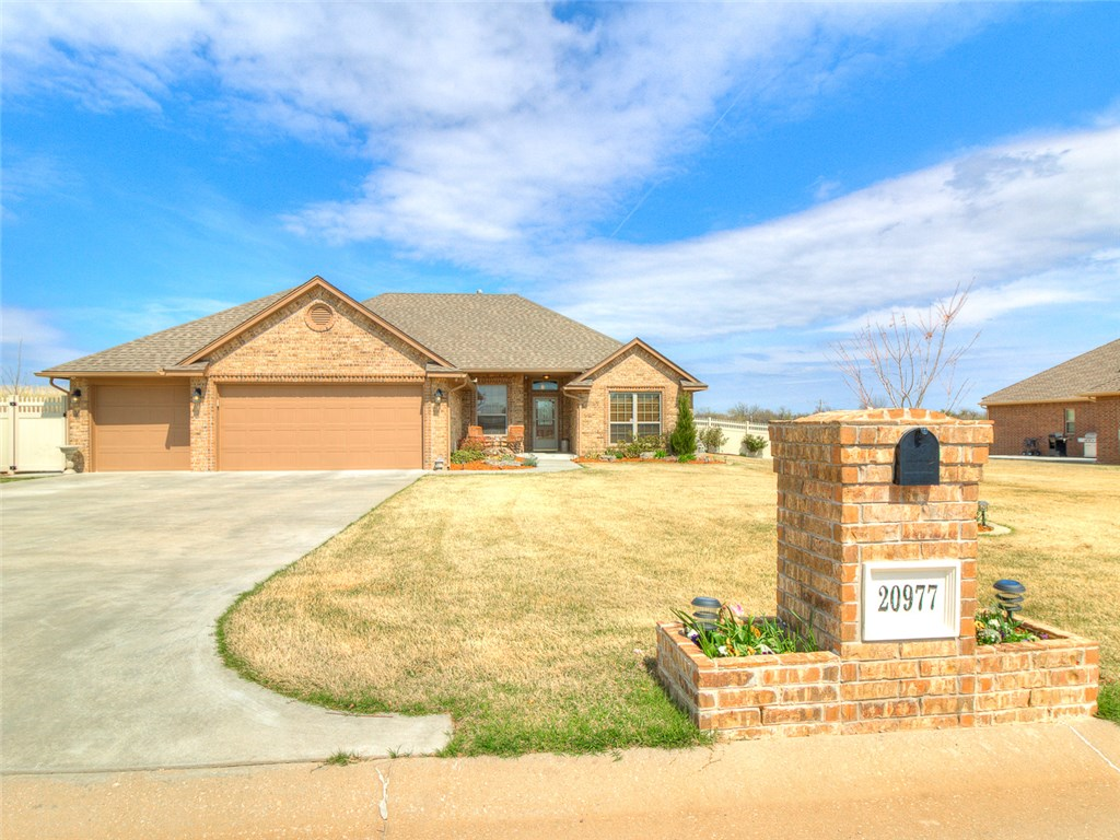 20977 Fall Creek Dr, Harrah, OK