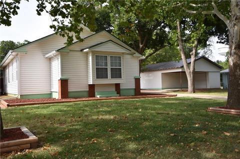 1705 W Oklahoma Ave, Guthrie, OK 73044