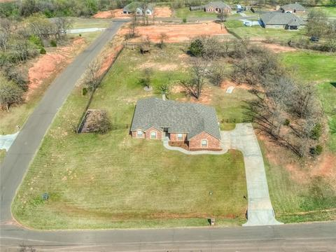 7100 Ridge Manor Ln, Oklahoma City, OK 73150 MLS# 816803 - Movoto.com