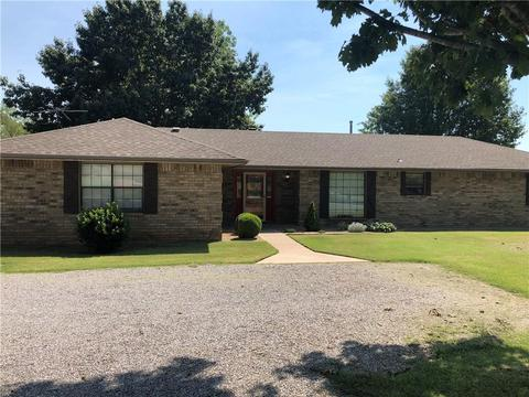 Wondrous 213 Shawnee Homes For Sale Shawnee Ok Real Estate Movoto Interior Design Ideas Clesiryabchikinfo