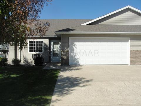 939 18 Ave Cir N, Moorhead, MN 56560
