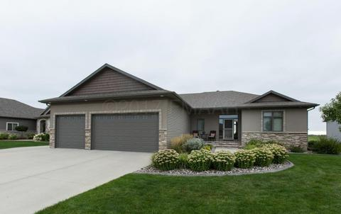 804 36th St S, Moorhead, MN 56560