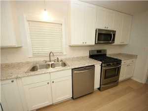 1058 Harbor View Rd, Charleston SC 29412
