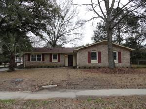 4851 Foxwood Dr, North Charleston, SC